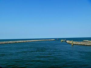 Ferry harbor at Cedar Island.jpg