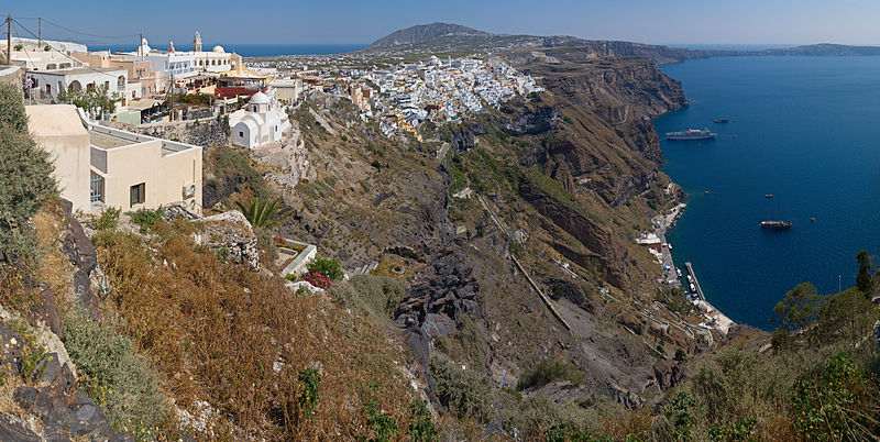 File:Fira and the Old Port MC.jpg