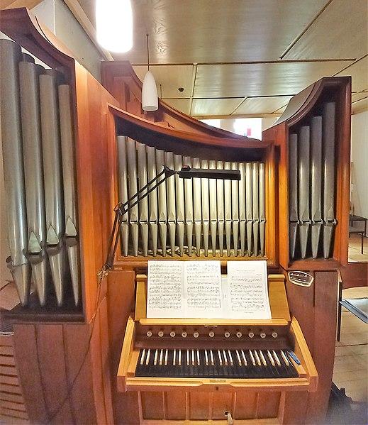 Datei:Fischbach-Camphausen, Evangelische Kirche (Hammer-Orgel) (1).jpg