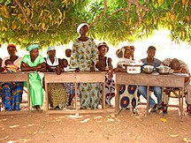 Bénin-Éducation-Flickr - usaid.africa - USAID-supported Mothers' Associations speak out to keep girls in school