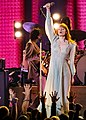 Florence and the Machine 12 09 2018 -26 (32834288428).jpg