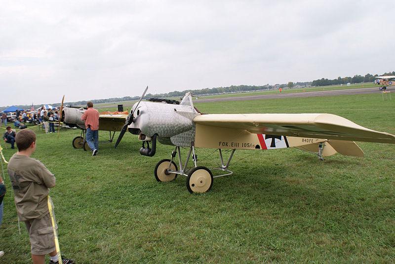 File:Fokker EIIIs LFront Dawn Patrol NMUSAF 26Sept09 (14596619361).jpg
