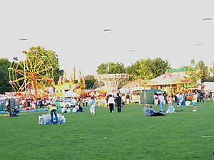 Funfair in Southwark Park - geograph.org.uk - 489223.jpg
