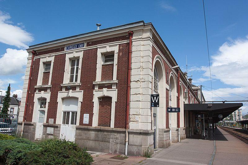 File:Gare d'Evreux - 2016-06-15 - IMG 1353.jpg