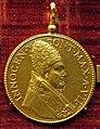 Gaspare morone, medaglia di innocenzo X, 1649, oro.JPG