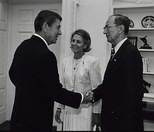 George W. Landau and Ronald Reagan 1982.jpg