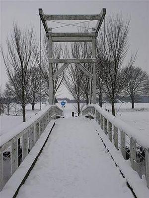 Giethmen - The bridge of the Giethemer Kerkpad across the Regge