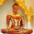 Golden Buddha statue at Wat Traimit.jpg
