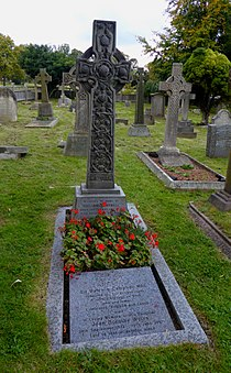 Grave of Malcolm Campbell.JPG