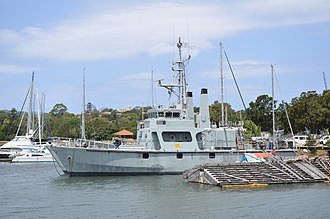 Bay-class minehunter - Image: HMAS Rushcutter