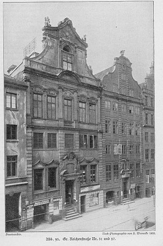 Afrikahaus (Hamburg) - Haus Große Reichenstraße 31, the building destroyed to make room for the Afrikahaus. (left).