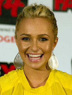 Hayden Panettiere Fan Expo 2011, 2.jpg
