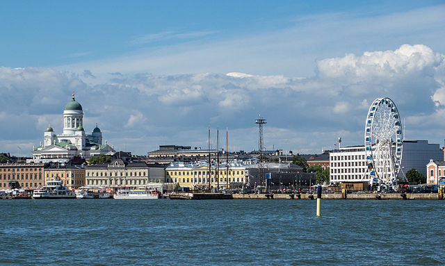 640px-Helsinki_from_sea_with_Cathedral_and_Finnair_Skywheel.jpg