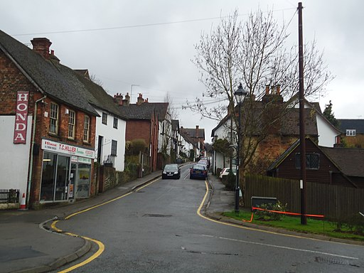 High Street, Old Oxted (geograph 2333069)