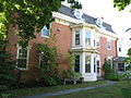 House on the Common- side view-Uxbridge.JPG