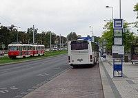 Hradčanská, autobusové stanoviště (01).jpg