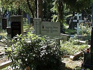 Radola Gajda - Grave of Radola Gajda in Prague (2003), damaged by vandals in April 2007