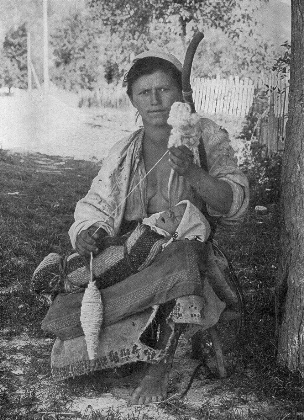 Hungarian Gypsy Mother and Child NGM-v31-p563