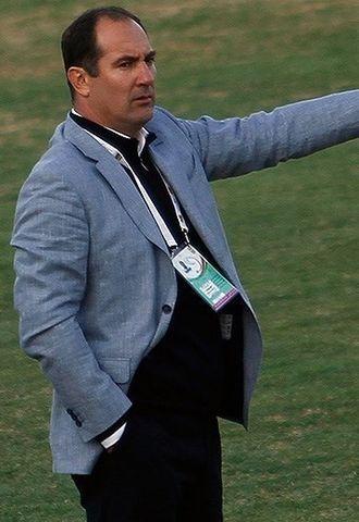 Igor Štimac - Štimac managing Sepahan in a match against Persepolis