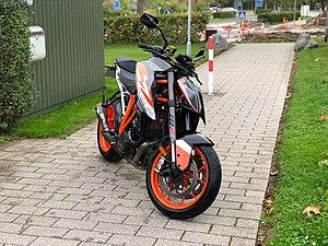 KTM 1290 Super Duke R - Wikipedia