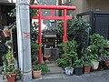 Inari Shrine (稲荷神社) - panoramio (25).jpg
