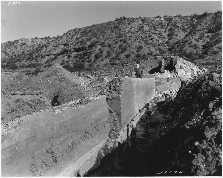 File:Intake diversion dam. View showing old north abutment and portion of old ogee section. - NARA - 294579.tiff