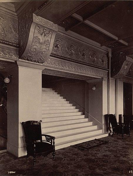 File:Interior, Auditorium Hotel (3678133891).jpg