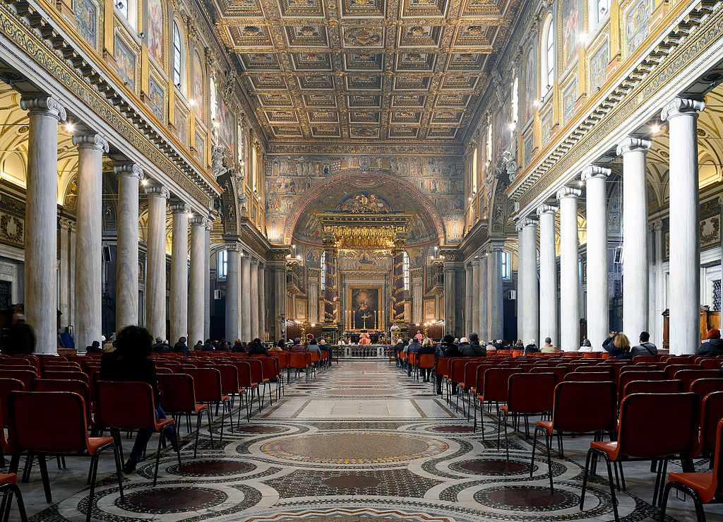 Nef de la basilique Sainte Marie Majeure à Rome - Photo de Livioandronico2013