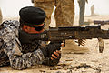 Iraqi police learn about weapons DVIDS195580.jpg