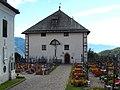 Jenesien, Rathaus und Friedhof.jpg