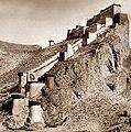 Kampa Dzong, Tibet 1904 John C. White RESTORED (cropped).jpg