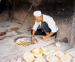 Tandoor bread - Tandoor baking in Kashgar in China