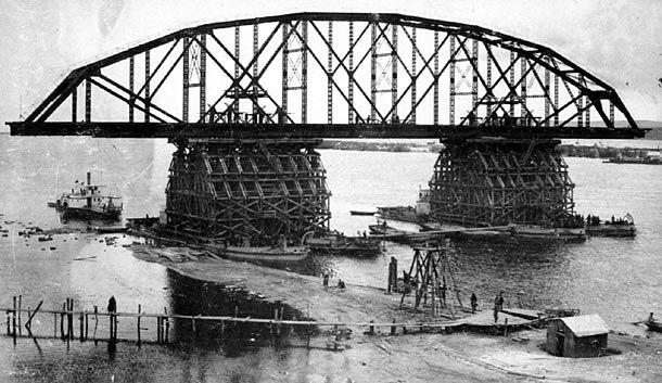 Khabarovsk Bridge during construction