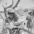Kinderen in het vluchtelingen kamp Jalazoune nabij Ramallah, Bestanddeelnr 255-5738.jpg
