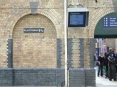 Il Binario 9 ¾ alla stazione di London King's Cross