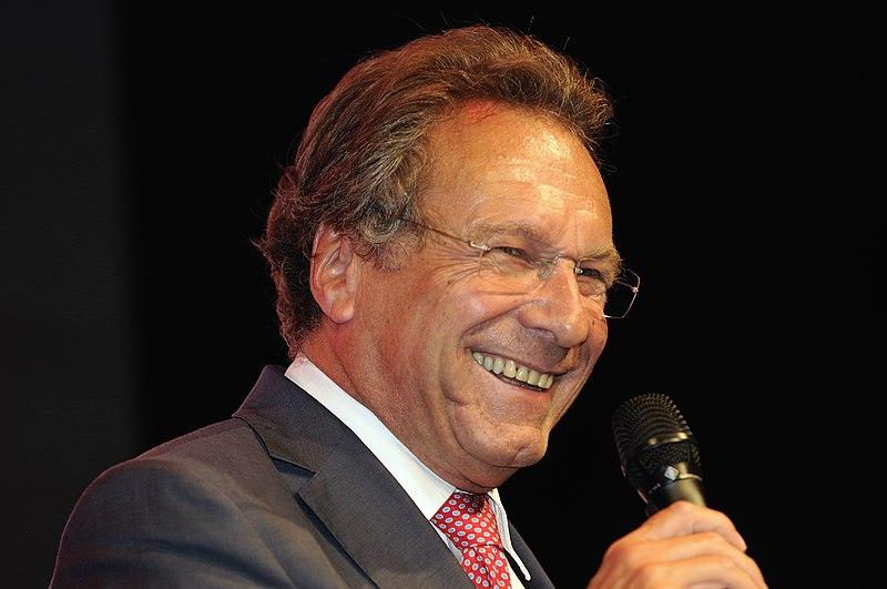 Datei:Klaus Ernst Die Linke Wahlparty 2013 (DerHexer) 06.jpg