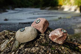 Klettergriff aus Naturstein 400.JPG