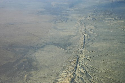 Aerial photo of the San Andreas Fault in the Carrizo Plain, northwest of Los Angeles Kluft-photo-Carrizo-Plain-Nov-2007-Img 0327.jpg