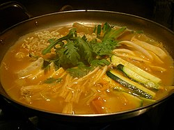 Korean.food-Budaejjigae-01.jpg