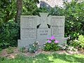 Kriegerdenkmal Guestritz.JPG