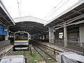 Kumoha 204-1102 at Tsurumi Station.jpg
