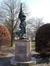 Kurt Kluge - KAGGR1 - Friedhof Columbiadamm.jpg