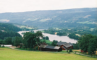 Gudbrandsdalslågen - Gudbrandsdalslågen forms a delta where it flows into lake Mjøsa