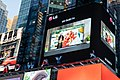 LG 올레드 TV, 뉴욕 한복판에서 세계적 팝스타 레이디 가가(Lady GaGa)와 이색 마케팅 - 50618977257.jpg