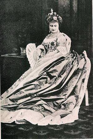 La Grande-Duchesse de Gérolstein - Hortense Schneider as La Grande Duchesse