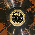 """Label of a 78 rpm disc recording """"So Is Your Old Lady"""" written by Joe Burke and Al Dubin, performed by Billy Jones And Ernest Hare, recorded in April 1924, and issued by Pathé Actuelle.jpg"""