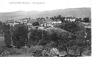 Larajasse - A general view of Larajasse, at the beginning of the 20th century