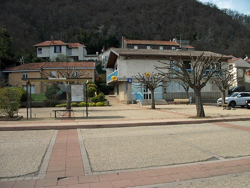 Letrade bus stop and post office in Sayat, Puy-de-Dôme, Auvergne, France.