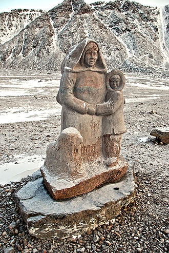 Grise Fiord - Monument to the first Inuit settlers of 1952 and 1955