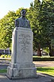 Longview, WA - Robert A. Long bust 02.jpg